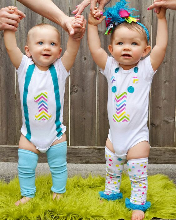 47a9996a70650 First Birthday Outfits Ideas for Twins Babies   Pink & Blue India